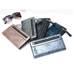 กระเป๋าสตางค์ผู้หญิง ทรงยาว Weichan Metalic Leather วัสดุทำจาก PU คุณภาพดี หนังสวย  ฿390 📦ส่งฟรี EMS  🎨สี: มี 5 สีจ้า สีน้ำเงิน ดำ เทา ชมพู และสีฟ้าอมเทา   ขนาด : 18 x 9 x 1.5 cm มีช่องใส่ธนบัตร 2 ช่อง  ช่องใส่บัตร 13 ช่อง   สอบถาม/สั่งซื้อ LI