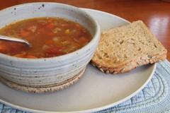 Vegetable Soup w Toast (btusdin) Tags: soup toast soupbowl vegetablesoup 80116