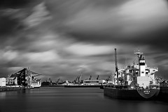 Rohafen # 3 (T.Seifer) Tags: longexposure blackandwhite bw white black monochrome clouds port germany deutschland photography blackwhite nikon ship harbour hamburg wolken sp fx tamron hafen schiff haida langzeitbelichtung whiteandblack whiteblack ndfilter schwarzweis tamron2470 d700 weisschwarz