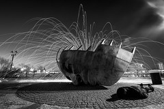 Merchant Seafarers' War Memorial FDT (#79) (Forty-9) Tags: longexposure morning sculpture lightpainting face statue night canon early memorial tuesday february warmemorial cardiffbay lightroom facedown 2016 wirewool efs1022mmf3545usm merchantseafarerswarmemorial fdt efslens eos60d facedowntuesday rookietom tomoskay 16022016 16thfebruary2016