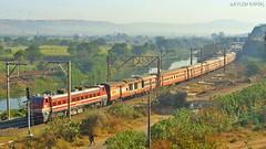 Yeshvantpur - Barmer AC Express (AyushKamal2014) Tags: 22211 kamshet brcwap4e yeshvantpurbarmeracexpress