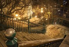 Para paseos nocturnos (anwarvazquez) Tags: canada luces quebec invierno hdr escaleras lamparas 2015 4exp