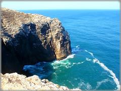 Cabo de San Vicente (Portugal) (sky_hlv) Tags: portugal faro mar cabo cliffs cape algarve atlanticocean acantilado golfo sagres acantilados cabodesanvicente capestvincent oceanoatlntico golfodecdiz gulfofcdiz