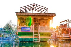 Heritage Houseboat (Ramn33t) Tags: india lake heritage beautiful wooden rainbow houseboat valley kashmir srinagar fabulous goldenhour nigeenlake