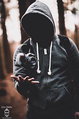 Nikon Levitation (Chris Haddleton Photography) Tags: portrait outdoors nikon levitation d800 levitate vsco