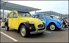 Citroen 2Cv (SP-98) Tags: auto old blue light black france love look car yellow jaune canon french fun eos noir details young style citron voiture bleu exotic passion type 2cv plaisir tyres historique jantes athmo