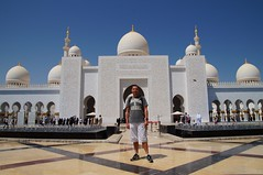 Sheikh Zayed Grand Mosque Abu Dhabi UAE (Mathias Apitz (München)) Tags: sheikh zayed grand mosque abu dhabi uae vae vereinigte arabische emirate united arabic emirates abudhabi travel reise holiday urlaub corniche palace moschee night city nachtfotos nacht wolkenlos mathias apitz