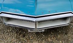 Buick, Riviera, (tats-Unis, 1969) (Cletus Awreetus) Tags: usa emblem logo buick automobile riviera voiture collection badge cabriolet generalmotors tatsunis emblme voituredecollection voitureancienne
