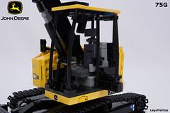 08_cabin_with_door (LegoMathijs) Tags: road scale yellow john chains team model lego display technic dozer blade snot deere compact excavator moc 75g foitsop decalls legomathijs