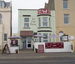 'The Front Parlour' (EZTD) Tags: inglaterra summer england beach sommer somerset e angleterre takeaway ete burnhamonsea westcountry britishsummer creamteas thisisengland eztd eztdphotography sonya500 august2015 thefrontparlour
