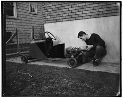 1939. Thirty dollars was all it cost Robert Preston, 16-year-old high school senior, to build this midget automobile. Photo Harris & Ewing [1024 x 819][OS] #HistoryPorn #history #retro http://ift.tt/2697D9p (Histolines) Tags: school history robert senior this was photo high automobile all cost it x retro timeline preston harris midget build 1939 dollars ewing thirty 1024 16yearold vinatage historyporn histolines 819os httpifttt2697d9p