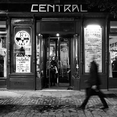 Café Central (Haciendo clack) Tags: haciendoclack madrid cafécentral blancoynegro blackandwhite bn jesúsgonzález concierto pedroruyblas luisguerra israelsandoval victormerlo cuarteto fuji x20 fujix20
