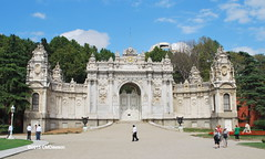 Dolmabahe Palace Gate (Christopher M Dawson) Tags: travel building tourism architecture turkey istanbul palace international government sultan dawson turkish dolmabahe palace cmdawson 184356 2015 dolmabahe