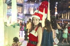 Ru Xmas (Alphone Tea) Tags: life christmas street xmas travel light portrait woman holiday sexy girl beautiful lady night wonderful print fun costume amazing model eyes lowlight singapore asia pretty slim dress photoshoot legs bright display sweet bokeh modeling outdoor album great young makeup like enjoy attractive handheld noon colourful lovely merrychristmas sexylegs facebook orchardroad 6d 2015 2470 atphotography ef2470mmf28liiusm