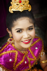 Thai Girl (♥siebe ©) Tags: portrait people girl thailand costume thai portret 2016 ประเทศไทย ไทย สวย เมืองไทย ผู้หญิง รูปคน siebebaardafotografie