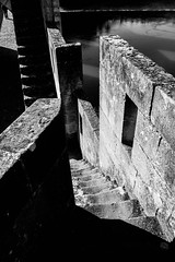 IMG_2854 (dcdnc) Tags: bridge building art water monochrome wall architecture modern stairs contrast landscape lot pont cahors