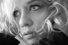 Frulein Wunderlich (Florian Wohlleben Photography) Tags: blackandwhite bw woman girl beauty eyes babe blonde sw schwarzweis flowingcreation florianwohlleben fruleinwunderlich