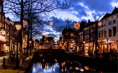 Mient / Alkmaar  2016 (zilverbat.) Tags: nightphotography travel wallpaper holland tourism dutch bar clouds canon restaurant hotel town cafe nightlights nightshot image availablelight postcard nederland thenetherlands visit timelife pancake bookcover bluehour nl stm 40mm alkmaar dagjeuit hotspot gracht 2016 toerisme nightimage avondfotografie tripadvisor mient dutchholland blauweuurtje zilverbat nederlandbijnacht elvinhagekpnplanetnl