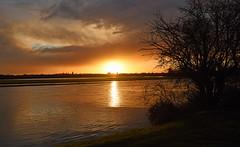 Calm before the Storm (Free.heel) Tags: thames sunrise oxford riverthames nikond810