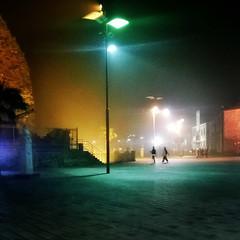 (alberta dionisi) Tags: nokia persone smartphone sicily colori notte scirocco piazzacastello foschia acicastello albertadionisi instagram lumia925