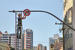 adjust direction (danjv) Tags: city cidade urban man building sign set stairs work way climb stair downtown go direction streetphoto mudar job trabalho cidades adjust trabalhador direo ajuste odan odanjaeger danjaegervendruscolo