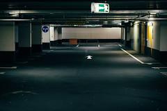 Left or Right (toletoletole (www.levold.de/photosphere)) Tags: architecture fuji parking cologne kln architektur carpark mediapark parkhaus xt1 fujixt1