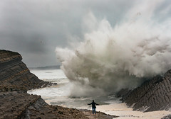 Temporal (Marce Alvarez.) Tags: landscape mar nikon oleaje paisaje olas playas temporal cantabria cantabrico liencres elmadero nikkor2470 marcealvarez