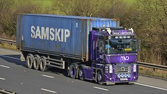 DU08 DAS (panmanstan) Tags: truck wagon motorway m18 yorkshire transport renault container lorry commercial vehicle freight magnum langham haulage hgv
