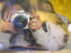 Anavey Selfie in Meteorite Slice (cobalt123) Tags: arizona reflection canon tucson firstphotos selfie age11 2016 anavey tucsonrockandgemshow xti canonrebelxti anaveybolender