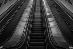 6/52 - Hosszú záridő (janosh_) Tags: blackandwhite bw monochrome blackwhite metro pentax escalator budapest astoria 1855 smc k10d pentaxart