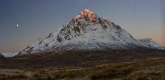 Buachaille Etive Mor pano (Bowz999) Tags: snow mountains sunrise landscape bay scotland glencoe moor rannoch milarrochy