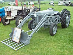 194 Ferguson TEF20 Tractor (1952) (robertknight16) Tags: tractor 1950s british coventry ferguson tef20 532xus