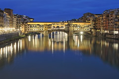 IMG_1276 (maro310) Tags: city bridge winter italy reflection building architecture night canon river lights florence 500v20f outdoor sightseeing tuscany firenze bluehour arno toscana pontevecchio 70d 365project
