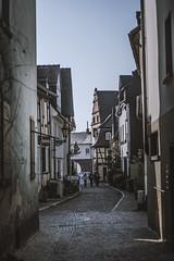 Dark Alley (Fenchel & Janisch) Tags: frankfurt altstadt fachwerk hchst fachwerkhaus frankfurthchst