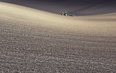 Rolling Down (Explored) (Simon Verrall) Tags: tractor field landscape sussex march chalk westsussex farming crop curve flint rolling johndeere ploughing 2016 arable downland thesouthdowns barlavingtondown thesouthdownsway