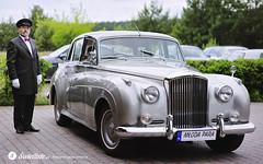swietliste-fotografujemy-emocje-przygotowania-slubne-auto-slubu-Bentley--fotografia-slubna-Bydgoszcz