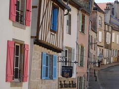 Langres (Cherryl.B) Tags: maisons ruelle rue btiment volets tourisme colombages hautemarne