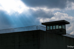 ehem. JVA Vierlande, Hamburg (thrbnzzyzx) Tags: light sky tower wall clouds hamburg himmel wolken prison zaun turm neuengamme mauer gefngnis jva knast bergedof