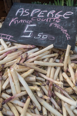 20160415 Provence, France 02266 (R H Kamen) Tags: food white france label asparagus heap abundance pricetag freshness marketstall vaucluse carpentras provencealpesctedazur rhkamen largegroupofobects