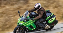 Kawasaki-Ninja-1000-LTWP-2-motorcycle-review