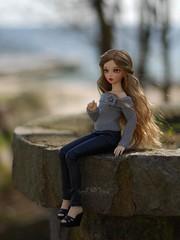 At The Seaside: Enjoying The View (Red Ribboned Dolls) Tags: redribbon chloe bjd abjd auri msd mnf minifee faoryland redribboneddolls