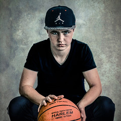 (Photo-LB) Tags: portrait texture studio nikon soft basket box harlem flash jordan casquette personnes personne regard balle sb800 flashdport