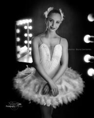 Bruna Bailarina (ronnie stein) Tags: brazil blackandwhite ballet studio book dance nikon dancers stage makeup maquiagem dancer backstage dana trabalho bailarina monocrome babyclass dancephotography bailarinos dancephotographer ronniestein fotografodedana projetofuturabailarina