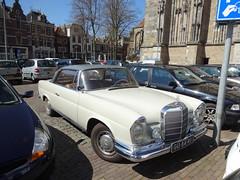 GU-84-41 Mercedes 220 SE ( W 111 ) Deventer (willemalink) Tags: mercedes se w 111 deventer 220 gu8441