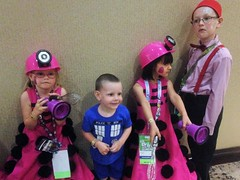 2016-04-23 14.00.30 (Munchkin Cosplay) Tags: who dr drwho dfw whovian kidscostumes whofest kidscosplay whofestdfw whofestdfw2016 dfwwhofest3