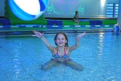 girl throwing a ball in a swimming pool (VisitLakeland) Tags: girls water girl finland fun play spa vesi tahko tahkovuori leikki kylpyl