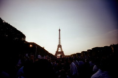 2013  (chunhao93) Tags: voyage travel people paris france tower lomo europe crowd eiffeltower toureiffel champdemars fte vivitar   ftenationale