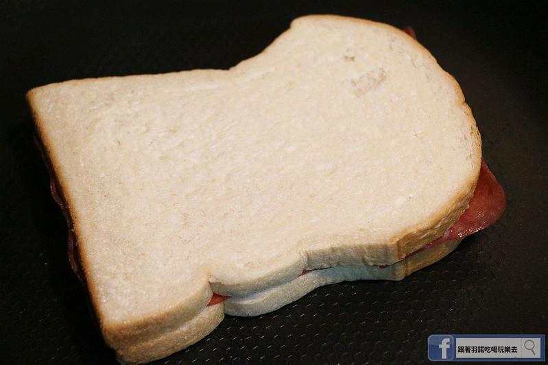 熱樂煎爆漿乳酪三明治069