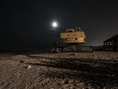 Eppur si Muove (Giulio Gigante) Tags: leica sea selfportrait beach me colors night cat myself mare ghost caterpillar dlux giulio pescara leicadlux dluxtyp109 giuklionikon giuliogigante giuliogigantecom
