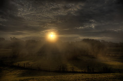 Morning Rays (Klaus Ficker) Tags: morning usa sun clouds sunrise canon morninglight kentucky rays eos5dmarkii kentuckyphotography klausficker